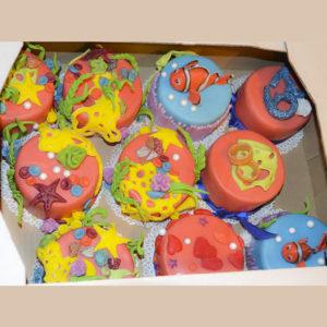 Набор кораллово-синих пирожных