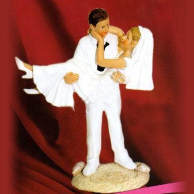 Фигурка свадебная Невеста на руках